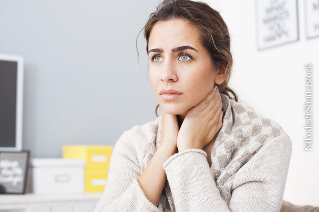 Erkältungsbedingte Halsschmerzen, Bild: © Nikodash/Shutterstock