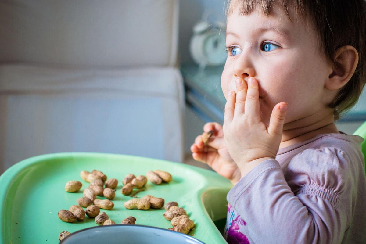 Hilfe bei Erdnussallergie, © EKirillova/Shutterstock.com