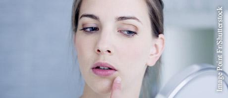 Bei Lippenbeschwerden unterstützen homöopathische Mittel die Heilung.