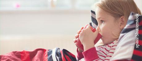 Manche Arzneimittel sind gleich viel angenehmer, wenn Kinder sie mit einer Tasse Tee herunterspülen.