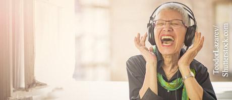 Ohrenpflege für gutes Gehör, © TeodorLazarev/Shutterstock.com