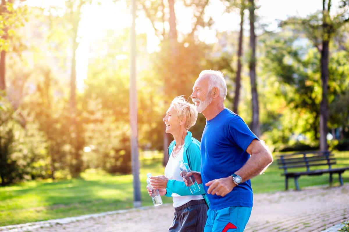 Sturzgefahr bei Älteren, © hedgehog94/Shutterstock.com