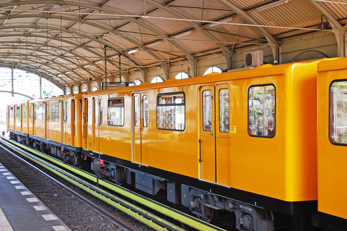 U-Bahn-Linien unter der Lupe, © linerpics/Shutterstock.com