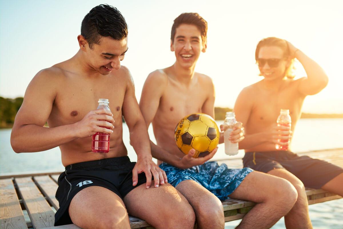 Altersbeschränkung für Energy-Drinks?, © Flamingo Images/Shutterstock.com