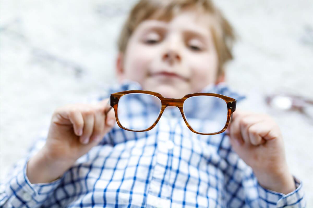 Neue Therapien bremsen das Fortschreiten der Kurzsichtigkeit im Kindesalter.