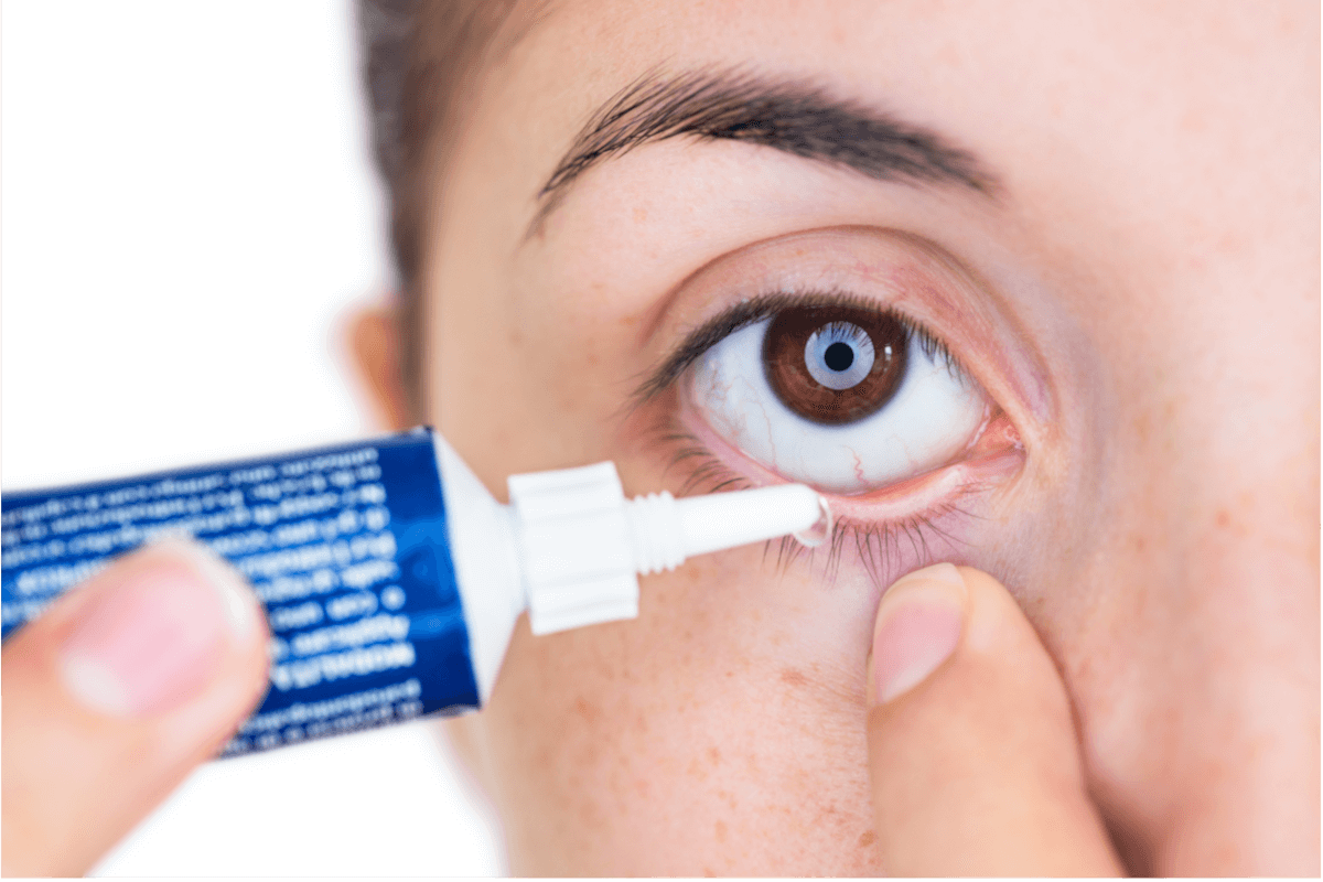 Augenarzneien: Was ist zu beachten?, © Stefano Garau/Shutterstock.com