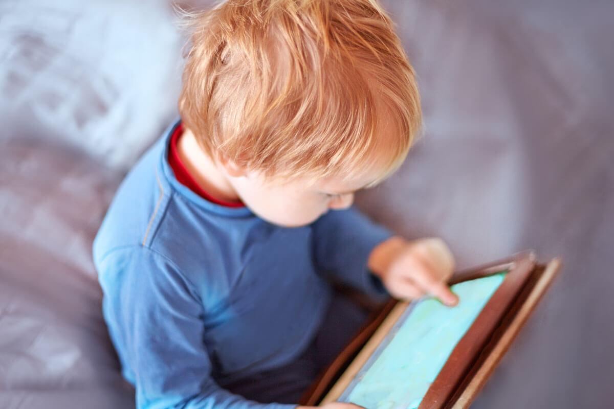 Behindern Tablets die Sprachentwicklung?, © Xolodan/Shutterstock.com