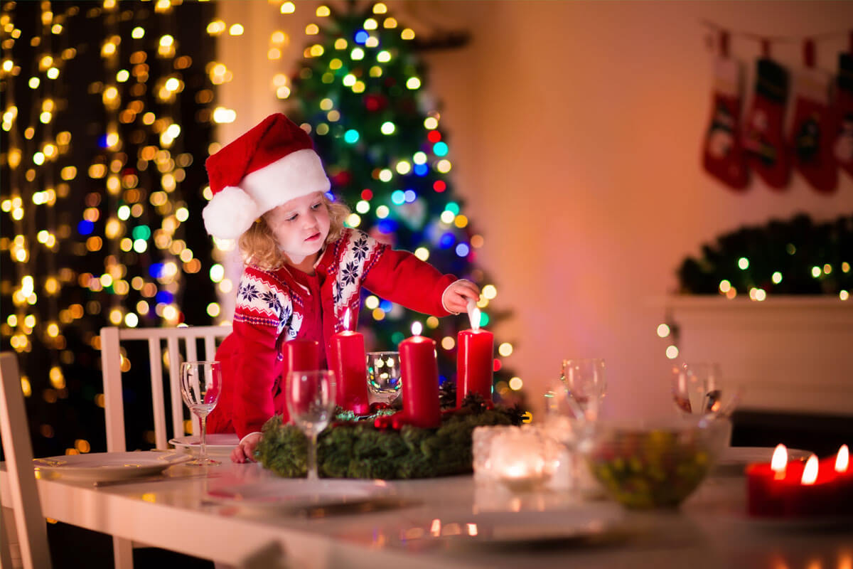 Für kleine Kinder ist der Umgang mit Kerzenanzündern noch zu gefährlich.