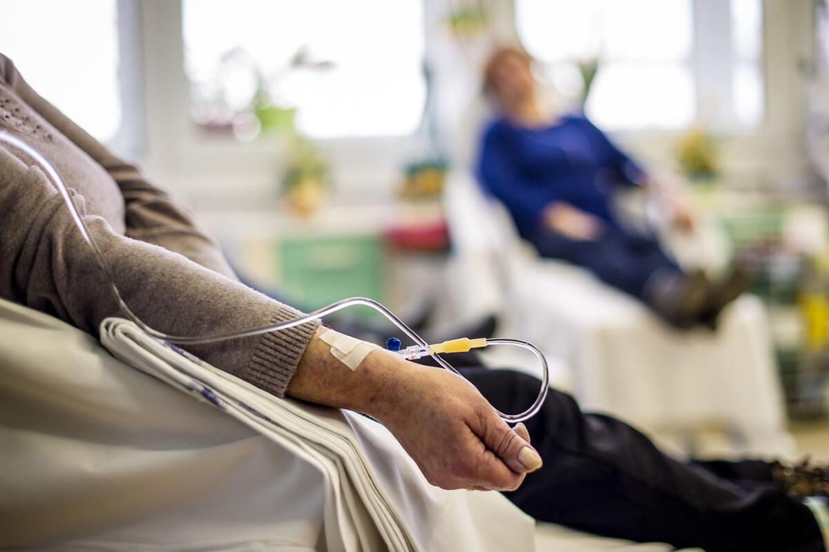 Corona-Infos für Krebspatienten, © napocska/Shutterstock.com