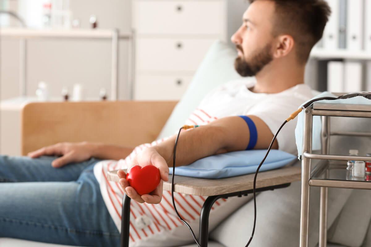 Covid-19 mit Blutplasma heilen?, © Pixel Shot/Shutterstock.com