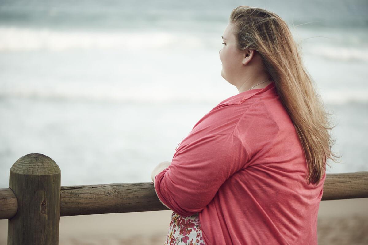 Übergewichtige vererben Sucht, © NakoPhotography/Shutterstock.com
