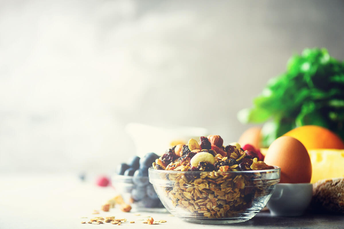 Fit in der Schule durch Frühstück, © j.chizhe/Shutterstock.com