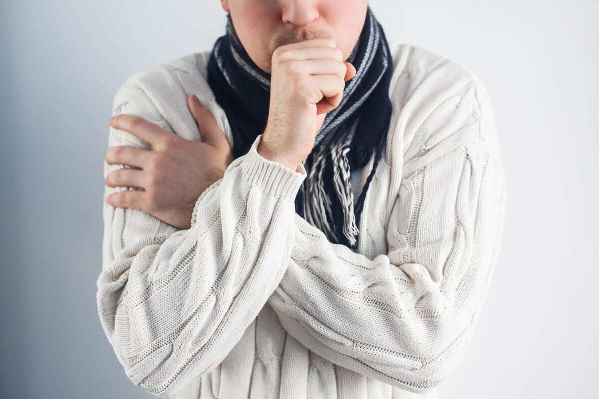 Selbst eine einfache Erkältung kann zu einer Herzmuskelentzündung führen, wird sie nicht auskuriert.