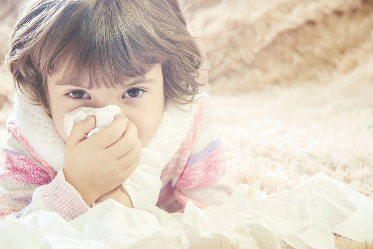 Händedesinfektion in Kita lohnt sich, © Tatevosian Yana/Shutterstock.com