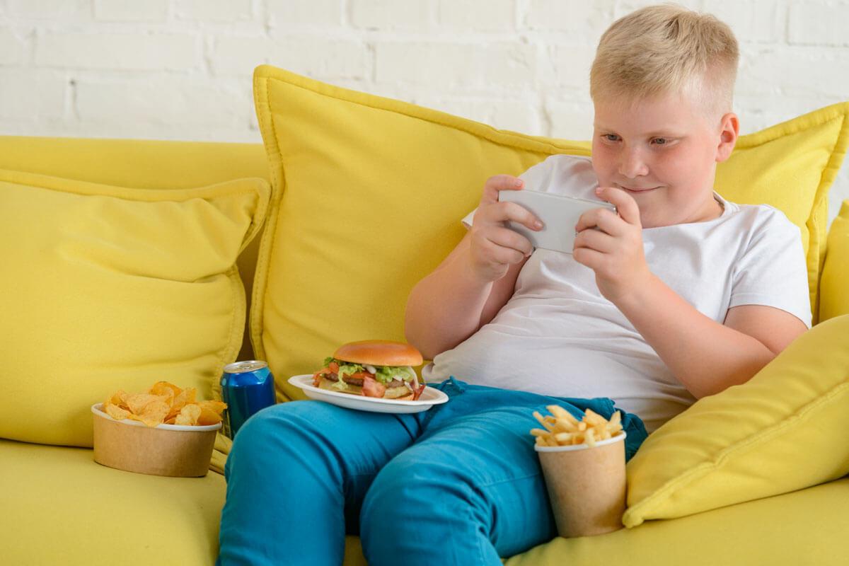 Influencer machen unsere Kinder krank, © Yuriy Golub/Shutterstock.com