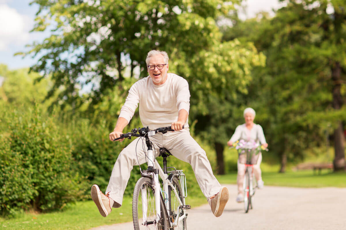 Joggen und Radeln ohne Corona-Gefahr, © Syda Productions/Shutterstock.com