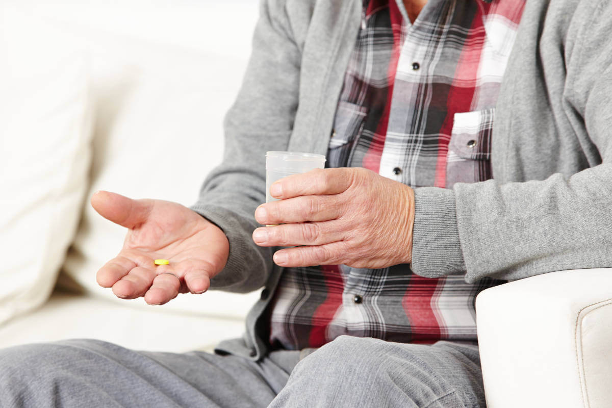 Medikamentenwirkung im Alter, © Syda Productions/Shutterstock