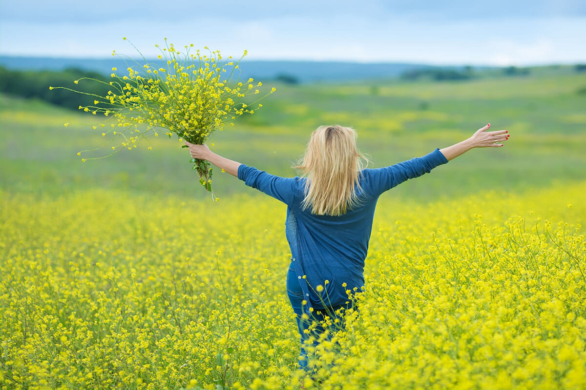 Mehr Lebensfreude durch Achtsamkeit, © Twinkle Studio/Shutterstock.com