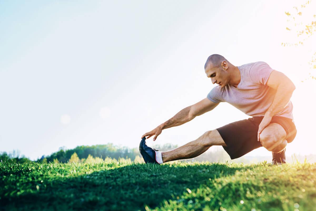 O-Beine durch Leistungs-Kicken, © Alex Borovski/Shutterstock.com