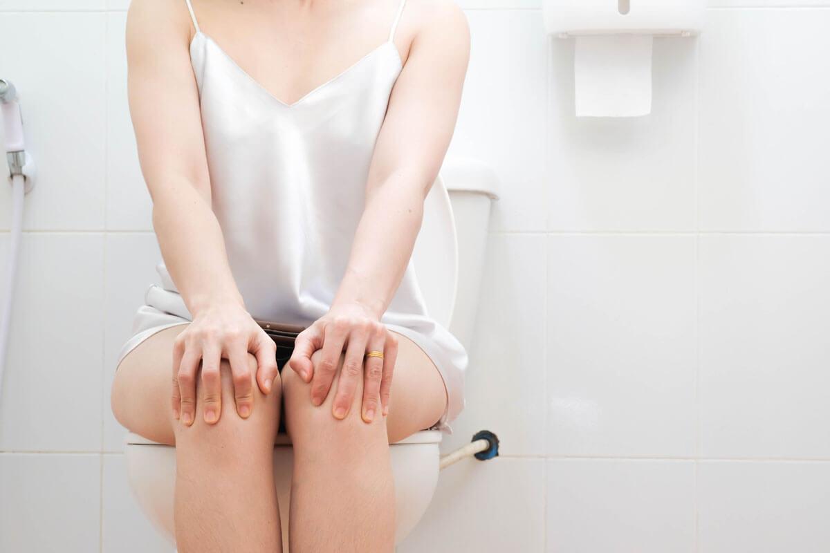 Pinkelpause schadet der Blase, ©  Ann Patchanan/Shutterstock.com
