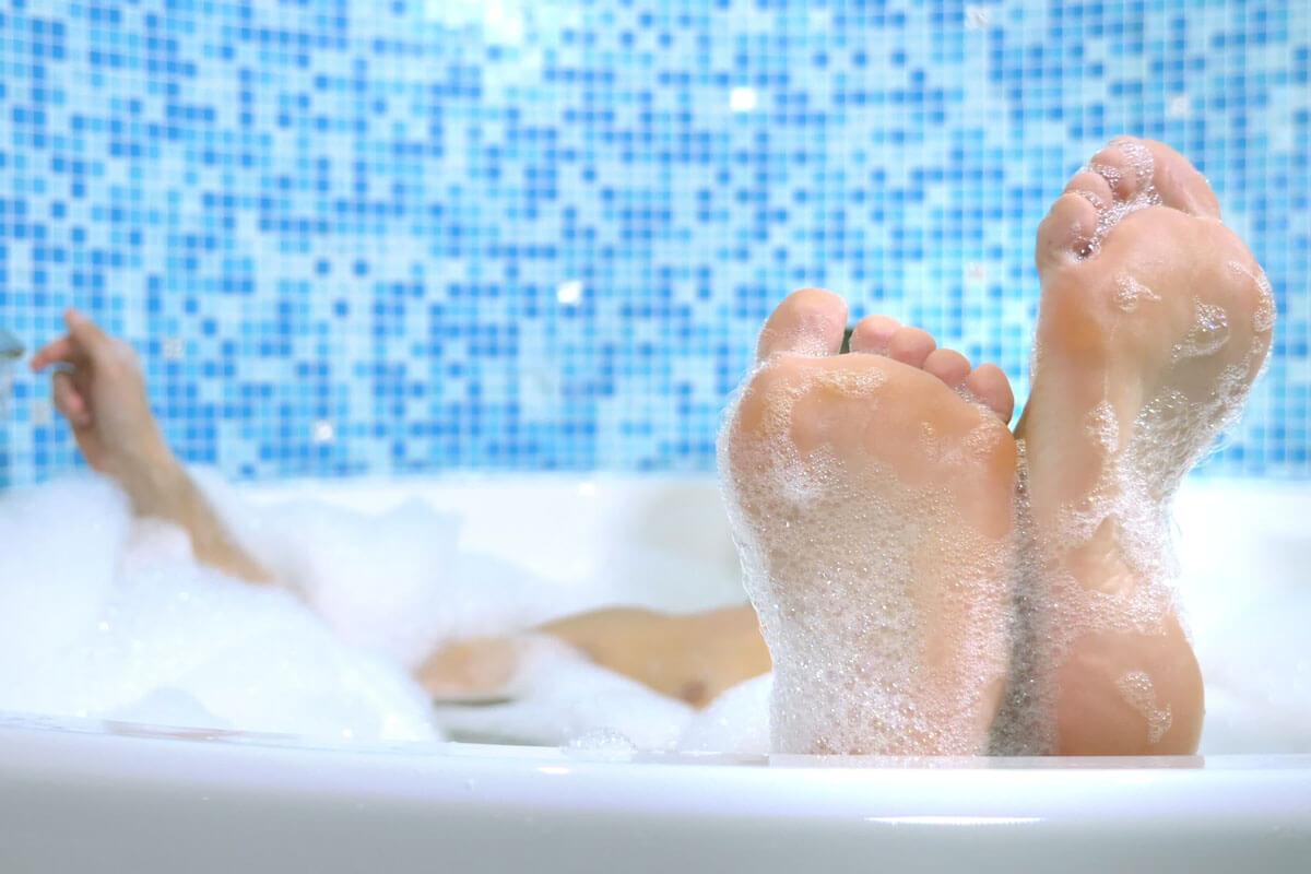 Gesundbaden in der heimischen Wanne, © Ekaterina Vidyasova/Shutterstock.com
