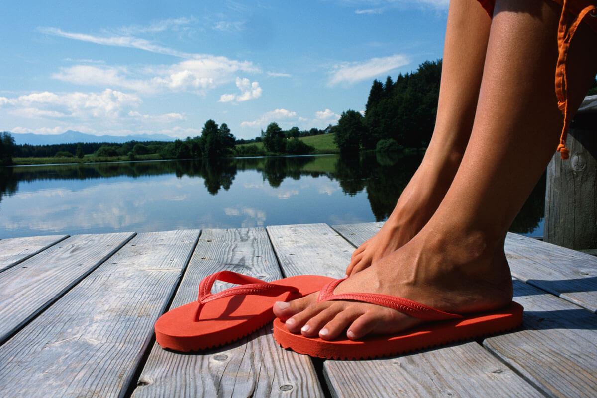 Das 1x1 für schöne Fußnägel, © Altrendo Images/Shutterstock. com