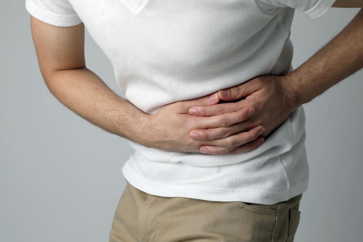 Schmerzen infolge der Gürtelrose, © metamorworks/Shutterstock.com