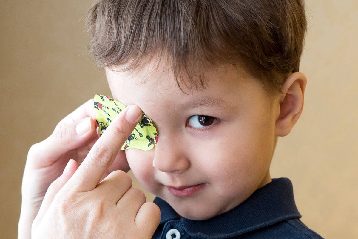 Schieltherapie schmackhaft machen!, ©  Aleksandr Mokhnachev/Shutterstock.com