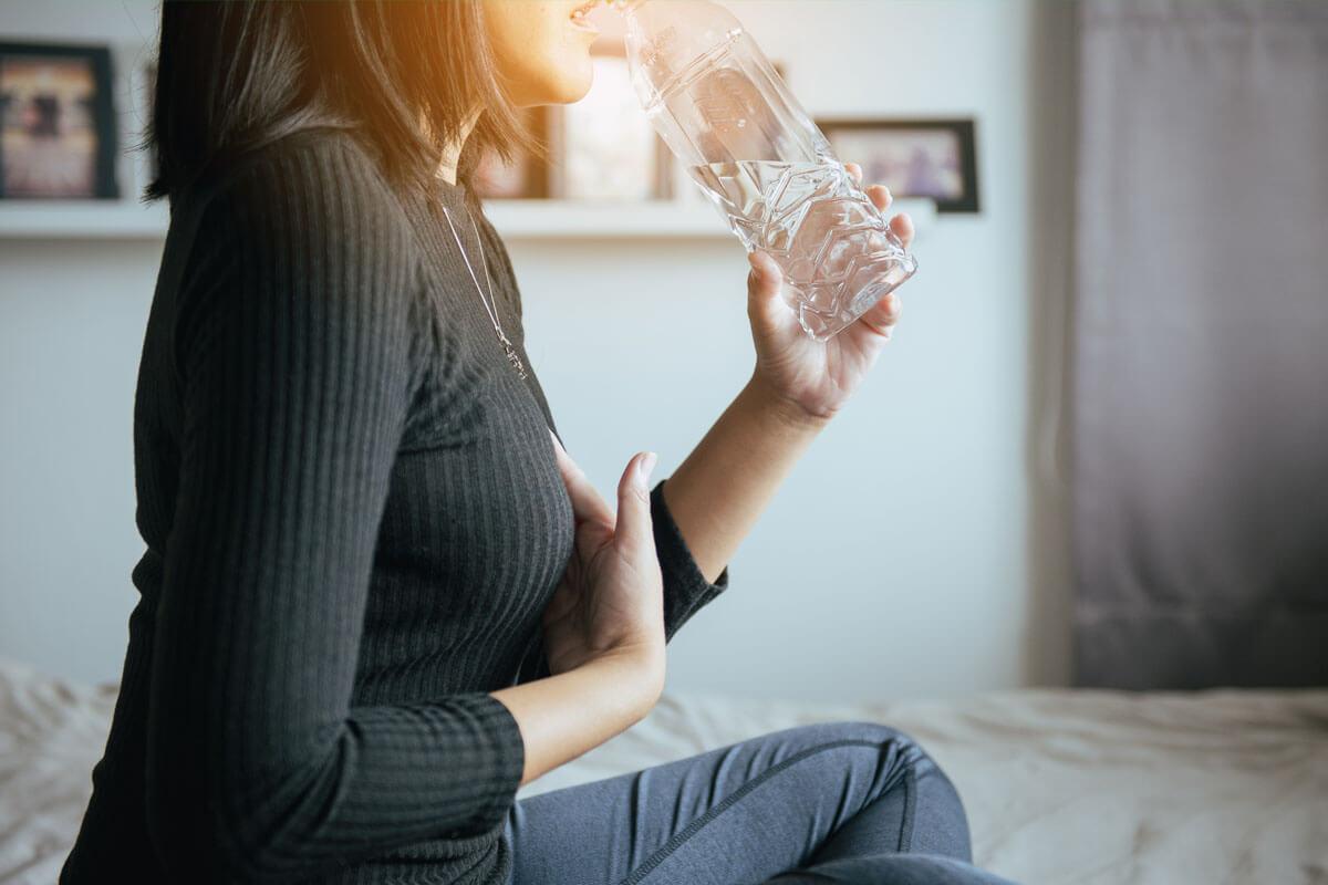 5 Tipps gegen Reflux, © GBALLGIGGSPHOTO/Shutterstock.com