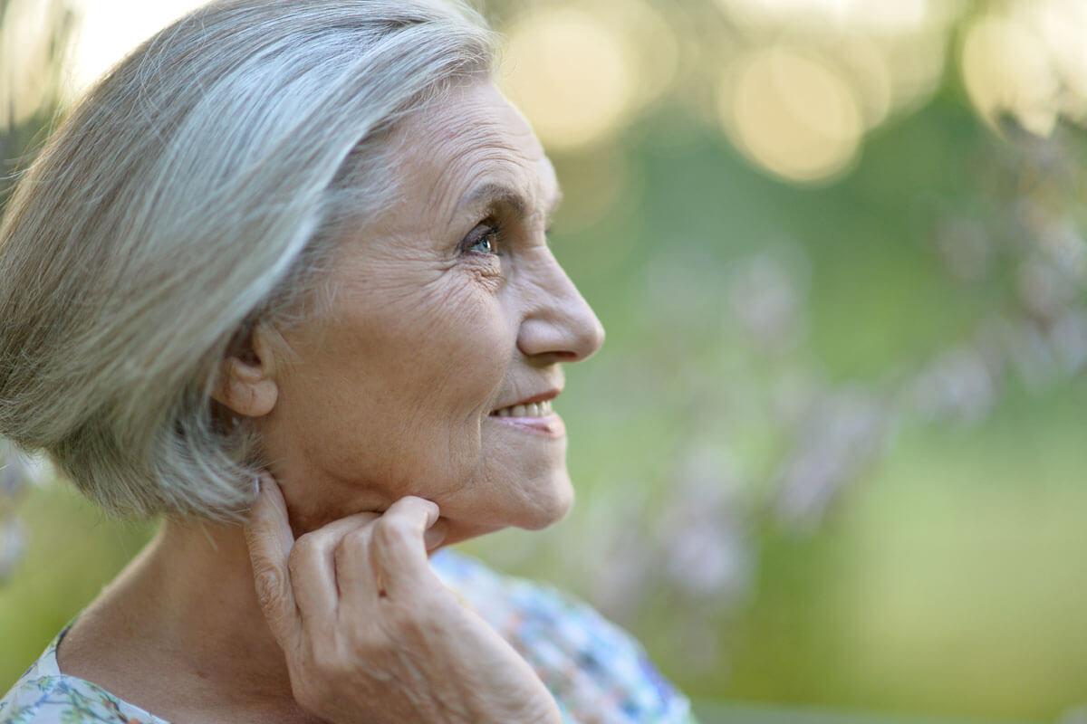 Trinken nicht vergessen! Menschen mit Herzleiden sollten die optimale Flüssigkeitsmenge mit ihrem Arzt besprechen.