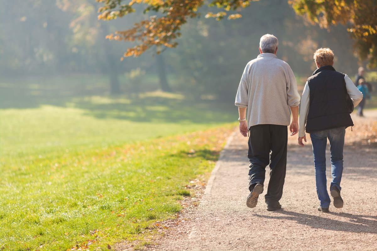 Wandern im Alter ist ein Fitness-Trend, der sich lohnt.