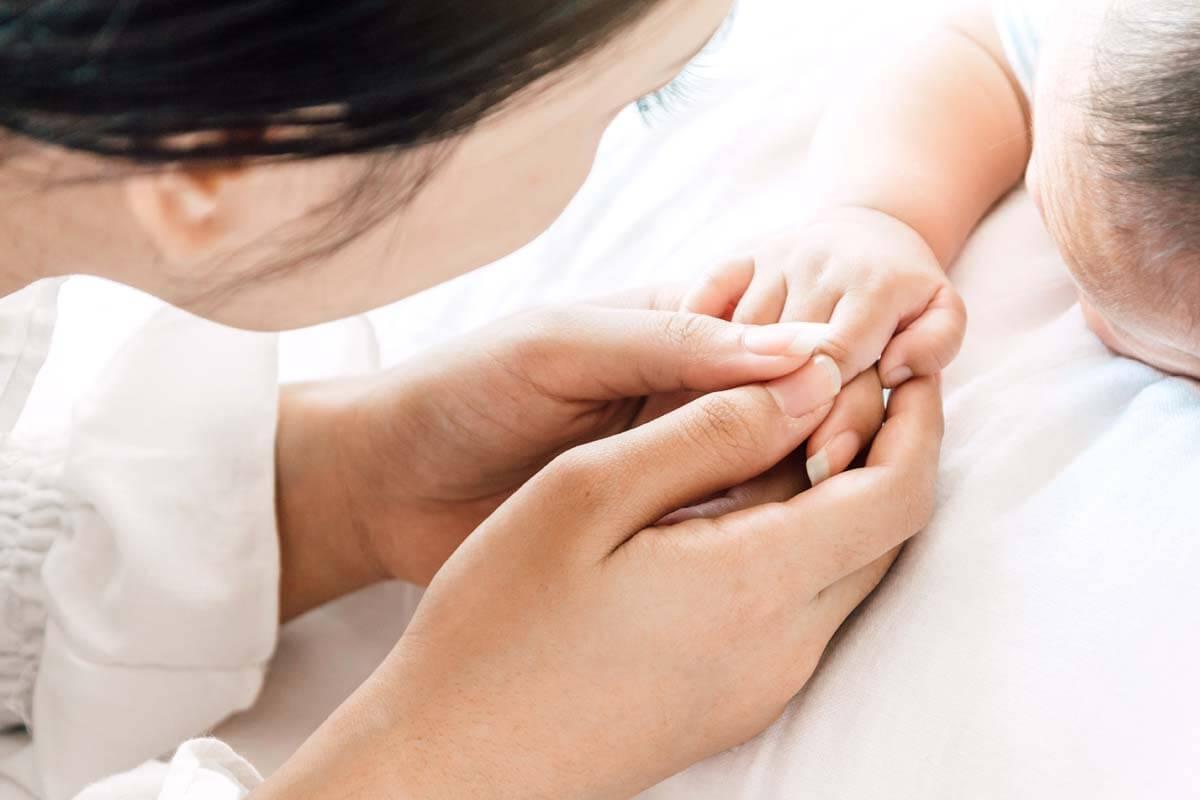 Erstickungsgefahr: Babys sicher betten, © Art_Photo/Shutterstock.com