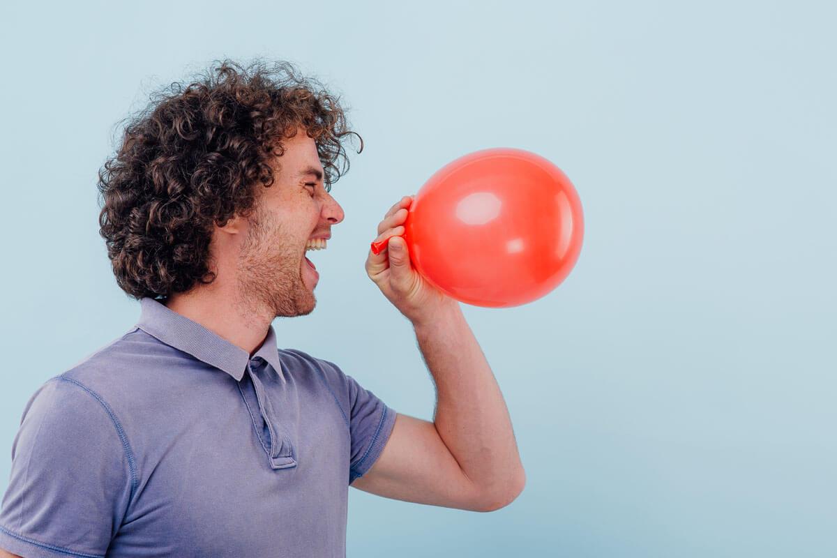 Lachgas greift die Nerven an, © AlexandrMusuc/Shutterstock.com