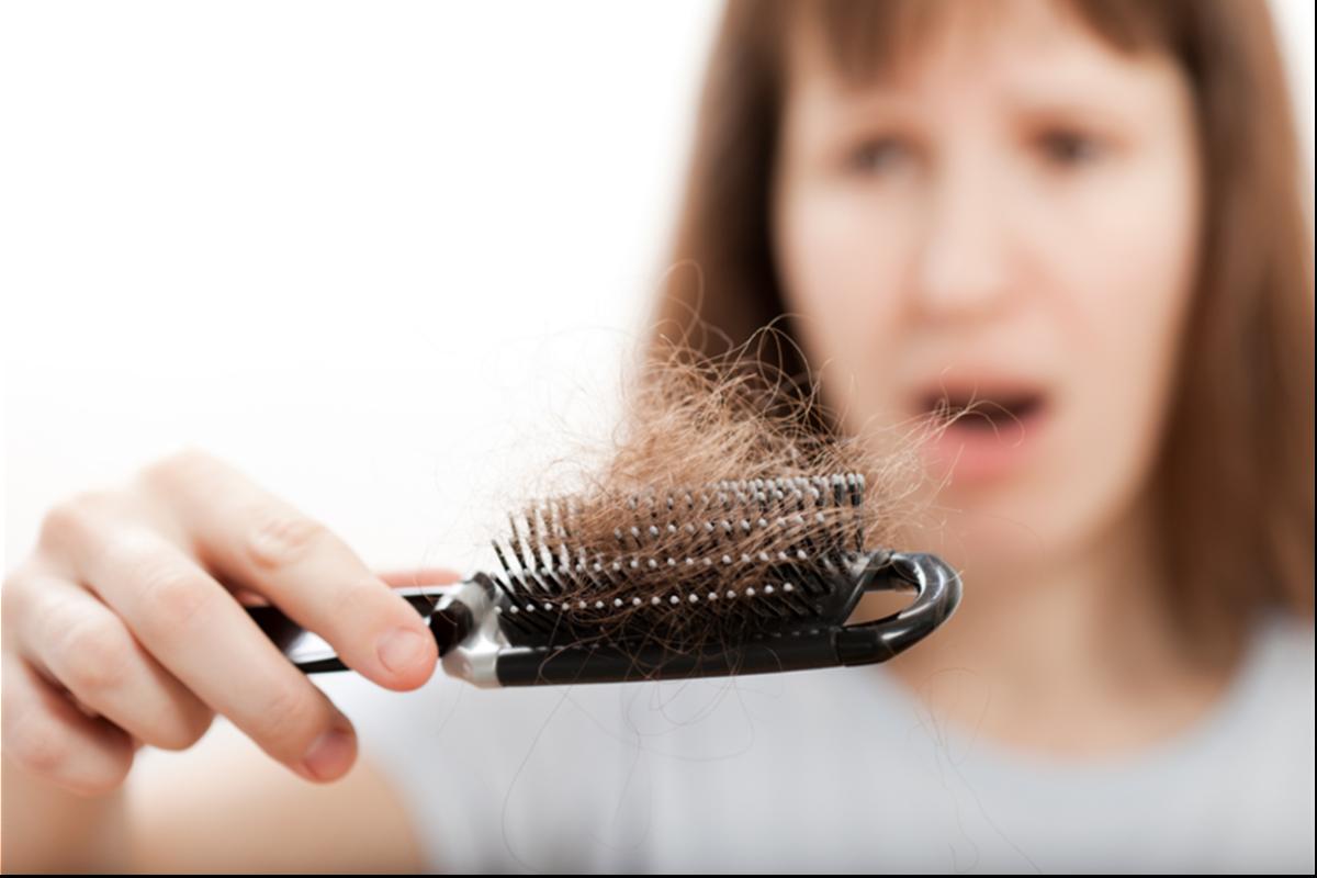 Was hilft gegen Haarausfall?, © IlyaAndriyanov/Shutterstock.com