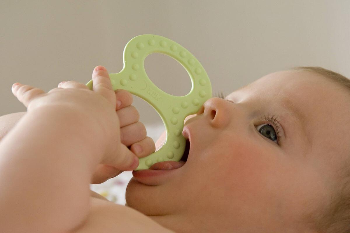 Krank durchs Zahnen?, © imagebroker/imago-images.de