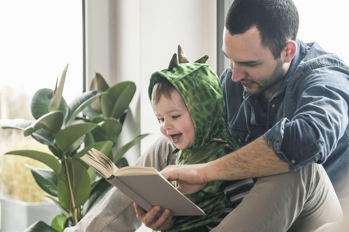 Aufs Lesenlernen vorbereiten, © Westend61/imago-images.de